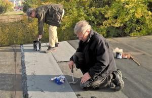2 Daniel och Håkan på taket